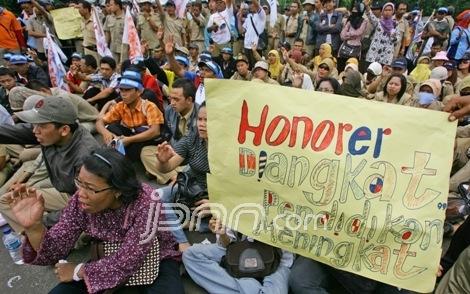Honorer Indonesia (FHI) menggelar aksi seruan solidaritas guru honorer